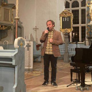 Var på konsert ikväll, med musikern (och tidigare Elin möter-gästen) Johan Ederfors. Tack Johan för en finfin kväll! Första konserten sedan C drog in för min del, nu vill jag gå typ varenda kväll på något!
